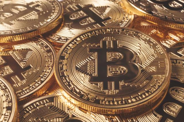 ¿Consideras el Bitcoin un elemento positivo o negativo en relación a la actividad turística?